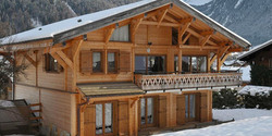 A Premium, 12-bed ski chalet with superb views of Morzine from its elevated position